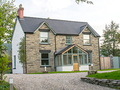 Cilan Farmhouse Self Catering Holiday Cottage North Wales